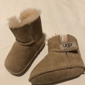 Baby Ugg Boots, size S (2/3)